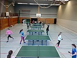 Klasse 8D erlernt Tischtennis